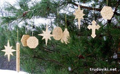 новогодние игрушки из дерева